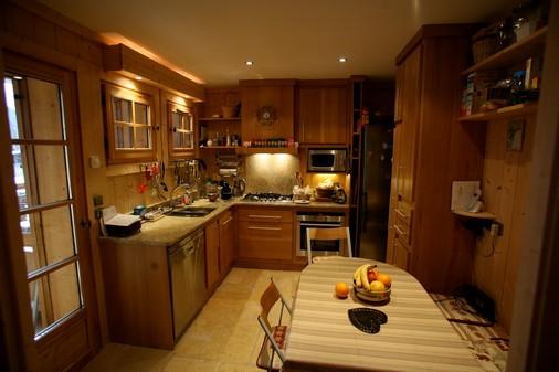 Chamonix-Chalet-Edelweiss-Kitchen-Copy